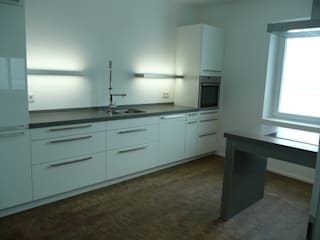 Architekt Dipl.Ing. Udo J. Schmühl Minimalist kitchen