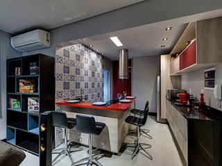 Modern style kitchen by Guido Iluminação e Design Modern