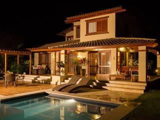 Fachada principal: Casas  por Jamile Lima Arquitetura