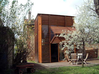Casas estilo moderno: ideas, arquitectura e imágenes de SARL BOURILLET ET ASSOCIES Moderno
