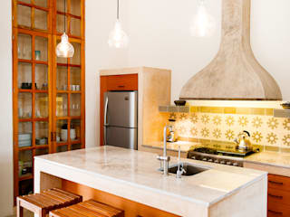 Kitchen by Taller Estilo Arquitectura