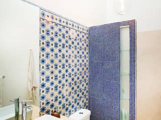 Banheiros ecléticos por Taller Estilo Arquitectura Eclético