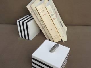 KUBÔ : serre-livres / presse-papiers & cale-porte :  de style  par Upcycling France