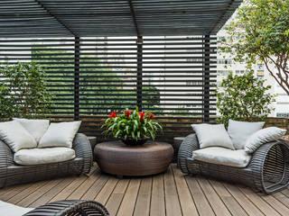 Jardines de estilo  por Denise Barretto Arquitetura