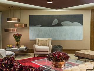 Lounge das Jabuticabeiras: Salas de estar  por Denise Barretto Arquitetura,Moderno
