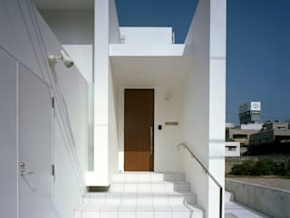 Modern houses by 中本一哉建築設計事務所 Modern