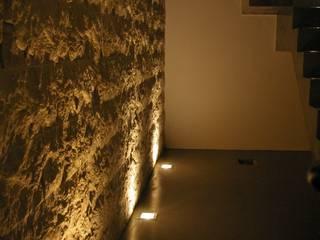 dettaglio 02: Ingresso & Corridoio in stile  di creostylelab