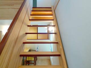 FAD建築事務所 現代風玄關、走廊與階梯