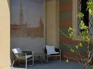 L'ingresso: Terrazza in stile  di Odue Modena - Concept Store