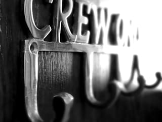 """Garderobe """"Crew Only"""":   von Flugzeugmoebel.de"""