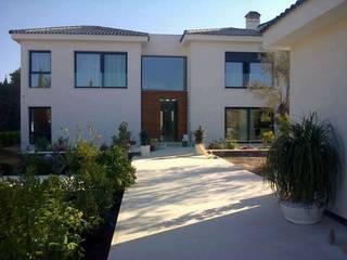 Casa Nathalia Casas de estilo mediterráneo de Alicante Arquitectura y Urbanismo SLP Mediterráneo