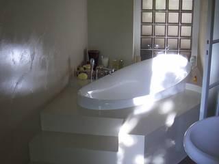 Appartamento in Milano (zona sud-est): Bagno in stile in stile Moderno di Arch. Stefano Tacconi