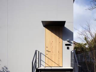 Maisons de style  par プラスアトリエ一級建築士事務所,
