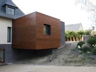 un havre de paix Salle de bain moderne par Cabinet Glacis Moderne