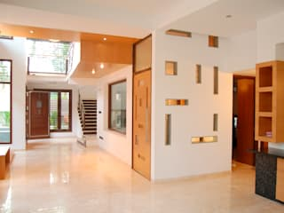 Modern Corridor, Hallway and Staircase by Muraliarchitects Modern