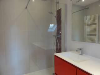 Rénovation cuisine salle de bains:  de style  par CL DESIGN