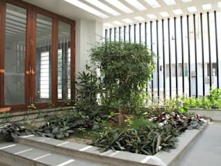 Modern Garden by Muraliarchitects Modern