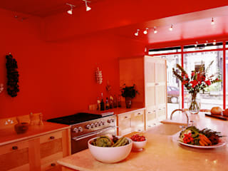 Quilted Maple Kitchen with Red Wall designed and made by Tim Wood Modern Kitchen by Tim Wood Limited Modern