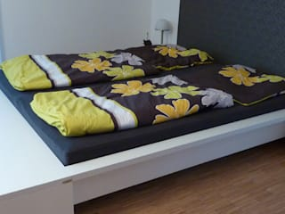 Bettumrandung für ein Wasserbett: modern  von PYRA-Designmoebel.de,Modern