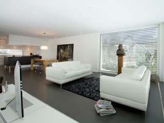 Einfamilienhaus im Schweizer Mittelland Moderne Wohnzimmer von Unica Architektur AG Modern