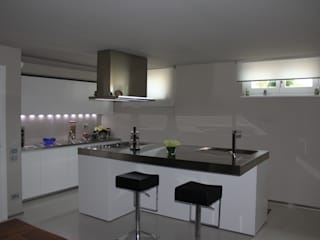 VILLA IN COLLINA MATTEONOFRINTERIORDESIGNER Cucina moderna