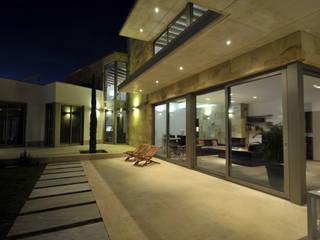 Casas modernas: Ideas, imágenes y decoración de Chiarri arquitectura Moderno