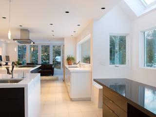 http://www.interioressilvanamccolgan.com/portafolio-2/portafolio/ Cocinas de estilo moderno de InteriorEs Silvana McColgan Moderno