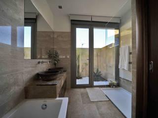 Chiarri arquitectura Mediterranean style bathrooms