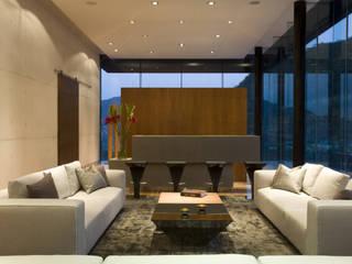 ห้องนั่งเล่น โดย GLR Arquitectos, โมเดิร์น