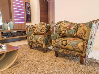 Residência integrada, discreta e alegre! Salas multimídia modernas por Élcio Bianchini Projetos Moderno