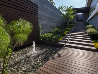GLR Arquitectos의  정원