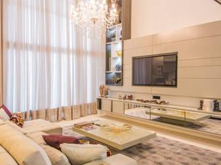 Requinte acolhedor Salas multimídia modernas por Élcio Bianchini Projetos Moderno