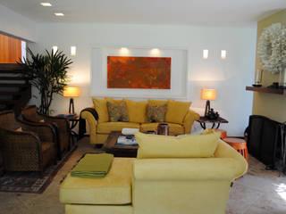 Livings de estilo moderno de InteriorEs Silvana McColgan Moderno