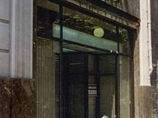 Fachada: Ventanas de estilo  de ARQUITECTOS PRIOR Y LLOMBART
