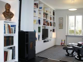 Modern living room by Agence C+design - Claire Bausmayer Modern