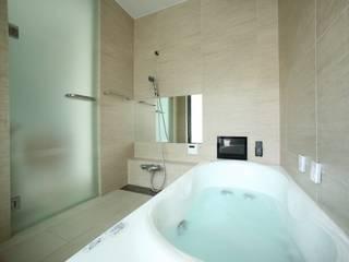 Modern bathroom by TERAJIMA ARCHITECTS Modern