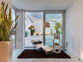Lounge: Soggiorno in stile  di Photographer Gabriele Sotgiu