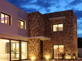 vivienda en betera: Casas de estilo  de conesafranch arquitectos