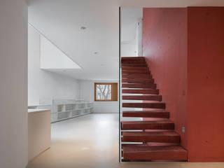 Stadthaus Englischviertelstrasse:  Flur & Diele von Bob Gysin + Partner BGP