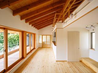 生駒の家 モダンデザインの リビング の 建築工房 at ease モダン