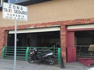 fachada del local:  de estilo  por TIKUS MEXICO