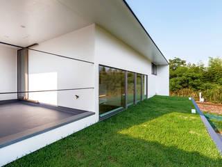 Terrazas de estilo  por 一級建築士事務所haus