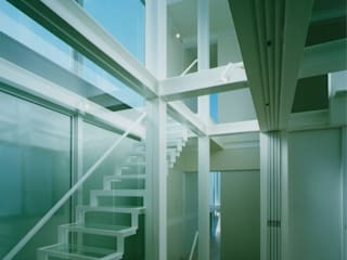 Modern corridor, hallway & stairs by 原 空間工作所 HARA Urban Space Factory Modern