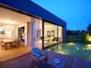 Musterstück in Belgien Moderner Balkon, Veranda & Terrasse von Ecologic City Garden - Paul Marie Creation Modern