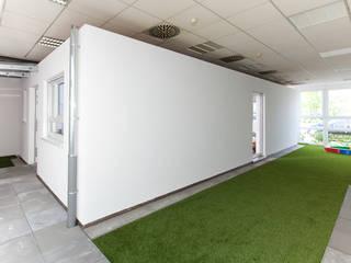 Modern Corridor, Hallway and Staircase by weisenburger bau GmbH Modern