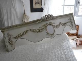Ciels de lit et cantonnières romantiques:  de style  par LE GRENIER D'ALICE