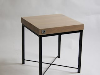 "Oak and steel small display table ""ELFIN"" de NordLoft - Industrial Design Escandinavo"