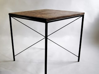 "Steel and oak wood modernist table ""KIRUNA X"" de NordLoft - Industrial Design Escandinavo"