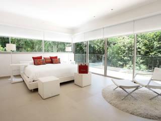 モダンスタイルの寝室 の Enrique Cabrera Arquitecto モダン