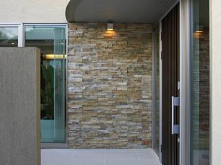 桃山台の家: SADOが手掛けた折衷的なです。,オリジナル